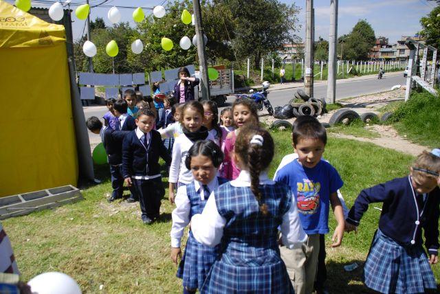 03 - Niños colegios